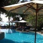 piscine de l hôtel a 5 m de la plage !