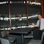 coleccion de botelllas de vino