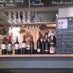 Les vins du monde (excellents) et de France sont exposés