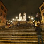 夜のスペイン階段