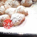 Ricca colazione e con tradizione Napoletana