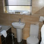 Fully equipped bathroom, although very small