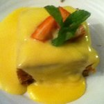 Steamed fruit pudding with custard