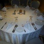 Mesa no restaurante do hotel