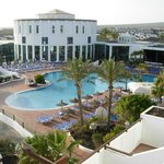 Vista piscina principal.