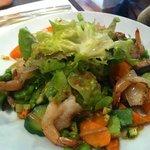 Salade aux crevettes papillons