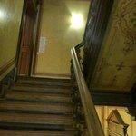 trappa upp mot receptionen, ingen hiss
