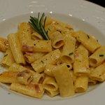 Paccheri, Jambon de parme , Taleggio et Romarin