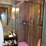 Il bagno con i led che cambiano colore :-) Nice!!