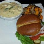 Diablo sauce burger with truffle mac n cheese
