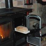 Pain maison cuit au feu de bois