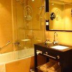 バスルームもキレイ