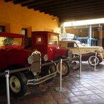 carros usados para entregas no início da fábrica