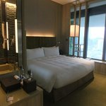 Soothing quiet colours and lighting in your bedroom