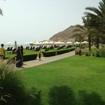 HOTEL GROUNDS TO BEACH