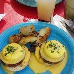 Eggs benedictine