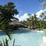 Disfrute al maximo, una excelente piscina