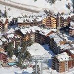 Вся деревня- один отель (из нескольких зданий)