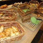 Brot beim Frühstücksbuffet