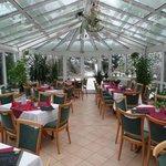 Wintergarten mit bis zu 40 Sitzplätzen