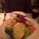 Una ensalada exquisita y con muy buena presencia.