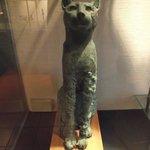 Estátua egípcia de um gato