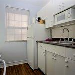 One Bedroom Suite Full-Service Kitchen