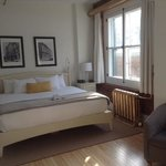 room 406, mini suite