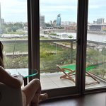 Habitacion con balcon al rio