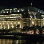 Fullerton Hotel at night
