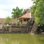 живописный храм