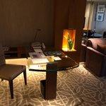 Grand Suite desk