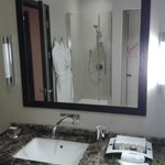 Lighting in the bathroom - one side not working - never changed during my stay