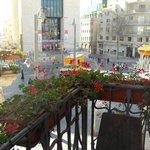 Вид с балкона на улицу Яффо