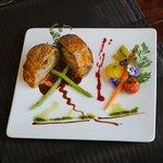 Mignon de veau en croûte feuilletée farcie d'une fondue de poireaux et foie gras.