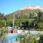 Le piscine geotermiche e il Vulcano