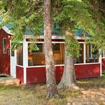 3 bedroom cabin with screen porch
