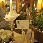 dettaglio tavolo per cena al lume di candela