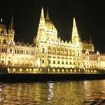 Le magnifique Parlement tout illuminé