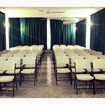 Nuestros Salones de Eventos, con Aire Acondicionado, Proyector & Sistema de Audio