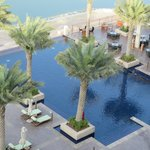 """Sicht von """"Kasara Mangroves Balcony Room"""" auf den Pool"""