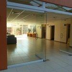 Entrada al área de cuartos.             josepablo2004  feb2014