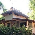 Los bungalos donde se puede dormir con AC y muy limpio y lindo