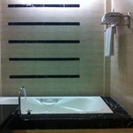 Bath Tub Layout