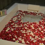 Jacuzzi Flower Bath