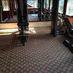 kleiner, alter Fitnessraum