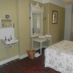 Lovely and Comfortable Rooms
