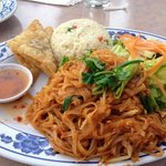 Lunch plate (pad thai noodle)