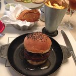 Hamburger with caramelized onion & foie gras