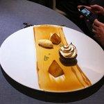 ANANAS rôti, fruit de la passion givré et crème glacée confiture de lait